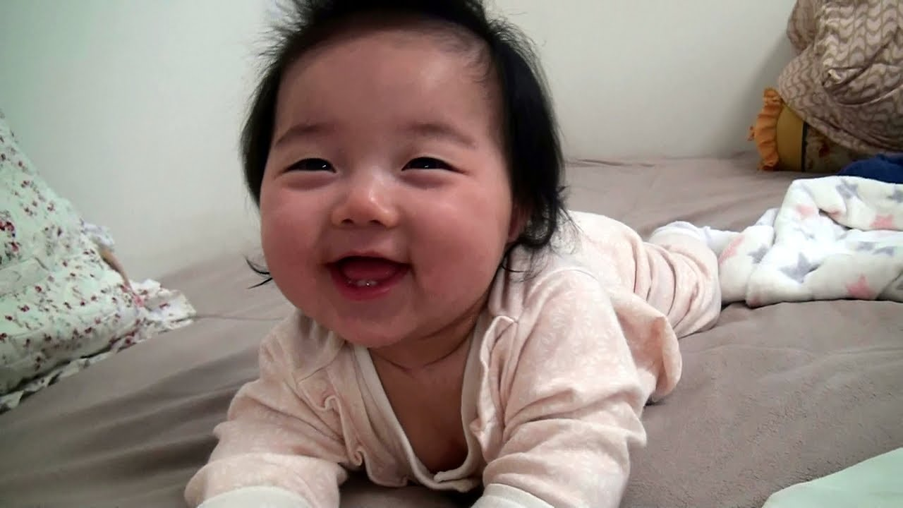 Watch when you are happy and sleep at the same time #Video #adorable
